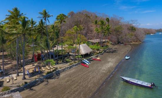 Isla Chiquita Glamping Resort